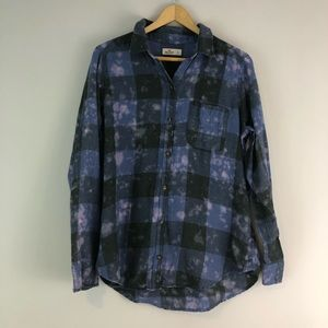 Hollister plaid splatter bleach top blue purple L